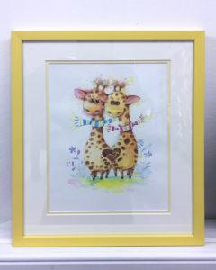 Детские рисунки оформленные в багет с паспарту